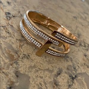 Jewelry - Double Crossed Gold Bangle